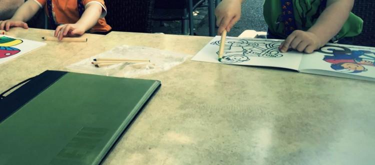 Tisch und Spiele
